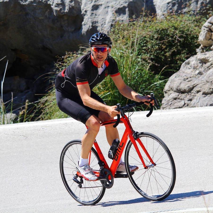Fares Gabriel Hadid am Rennrad. Nebenbei: das erste Lycra-Bild auf dieser Website seit 2012! :-)